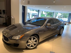 Dragon Limousines introduces Maserati Quattroporte to Cairns.